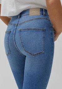 PULL&BEAR - SKINNY HIGH WAIST - Jeans Skinny Fit - blue - 6