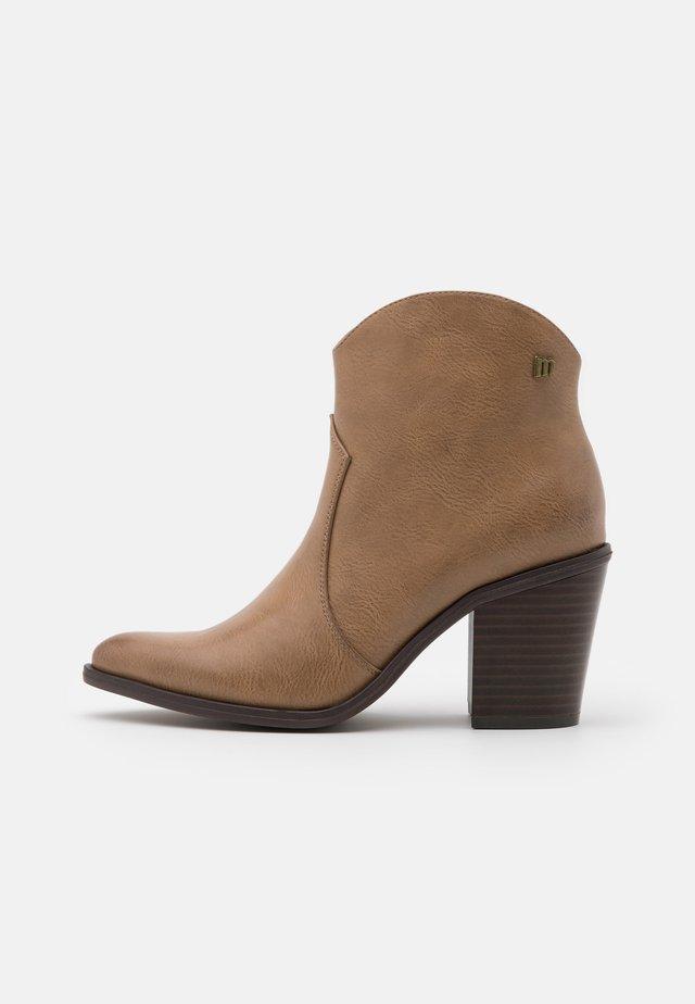 LAMBRA - Ankle boot - lantana taupe