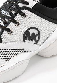 MICHAEL Michael Kors - CHARLIE TRAINER - Trainers - optic white/multicolor - 2