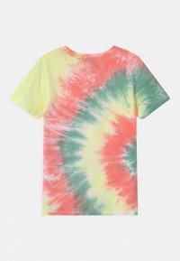 Vingino - HAJARI - Print T-shirt - beach red - 1