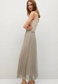 Mango - MIT METALLIC-EFFEKT - A-line skirt - beige - 2