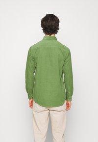 Anerkjendt - AKKONRAD - Shirt - vineyard green - 2