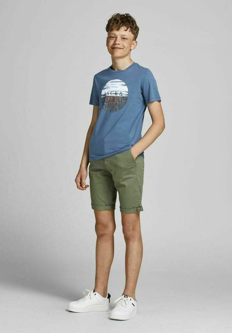 Jack & Jones Junior - JUNGS PINSELSTRICH - Print T-shirt - ensign blue