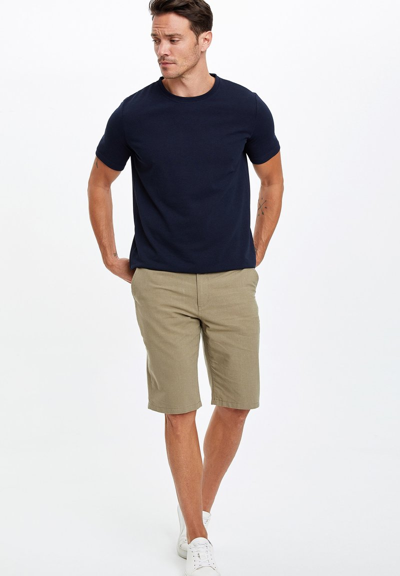 DeFacto - Shorts - grey