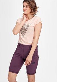 Mammut - RUNBOLD ZIP OFF WOMEN - Outdoor trousers - blackberry - 2