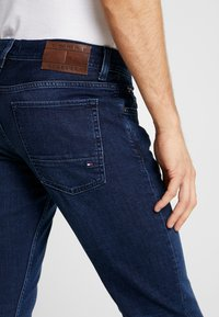 Tommy Hilfiger - DENTON BRIDGER - Jeans a sigaretta - denim - 3