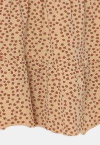 Konges Sløjd - REYA TEE DRESS - Jersey dress - buttercup/rosa - 2