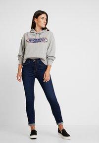 Wrangler - HIGH RISE - Jeans Skinny - night blue - 1