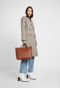 Even&Odd - Shopping bag - cognac - 1