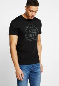 Esprit - Camiseta estampada - black - 0