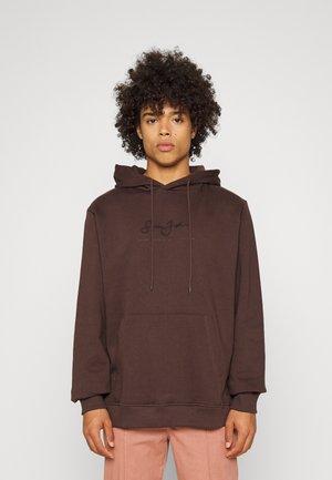 CLASSIC LOGO ESSENTIAL HOODIE - Sweatshirt - dark brown