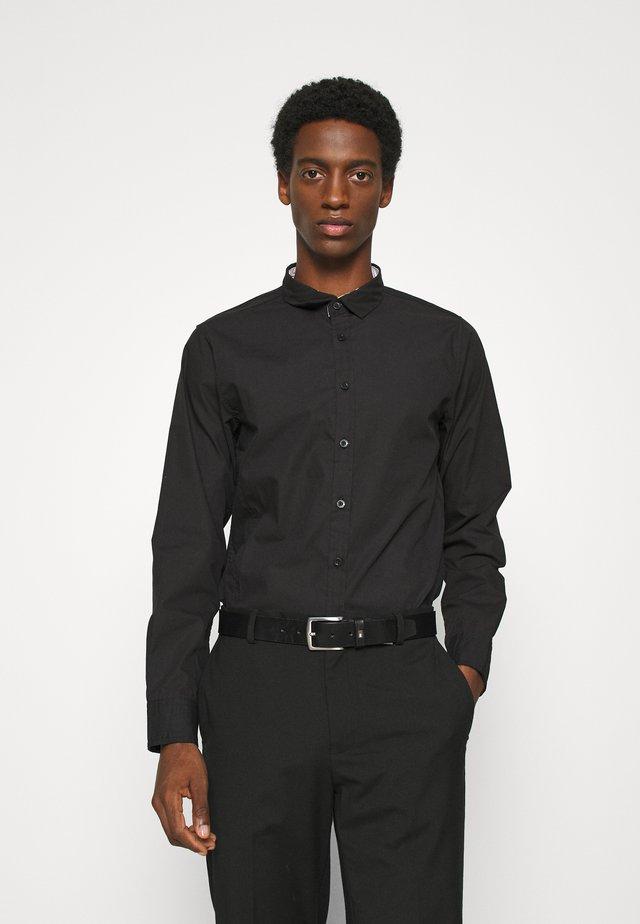 TUDORD - Zakelijk overhemd - black
