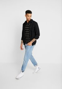 Levi's® - BARSTOW WESTERN STANDARD - Shirt - marble black denim rinse - 1