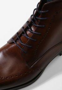 Giorgio 1958 - Šněrovací kotníkové boty - marrone/blu - 5