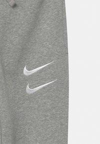 Nike Sportswear - Trainingsbroek - dark grey/white - 2