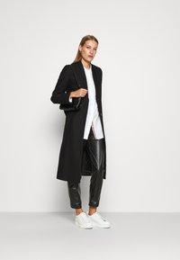 IVY & OAK - DOUBLE COLLAR COAT - Classic coat - black - 1