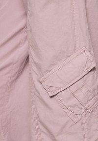 BDG Urban Outfitters - 90S PANT - Pantaloni cargo - elderberry - 5