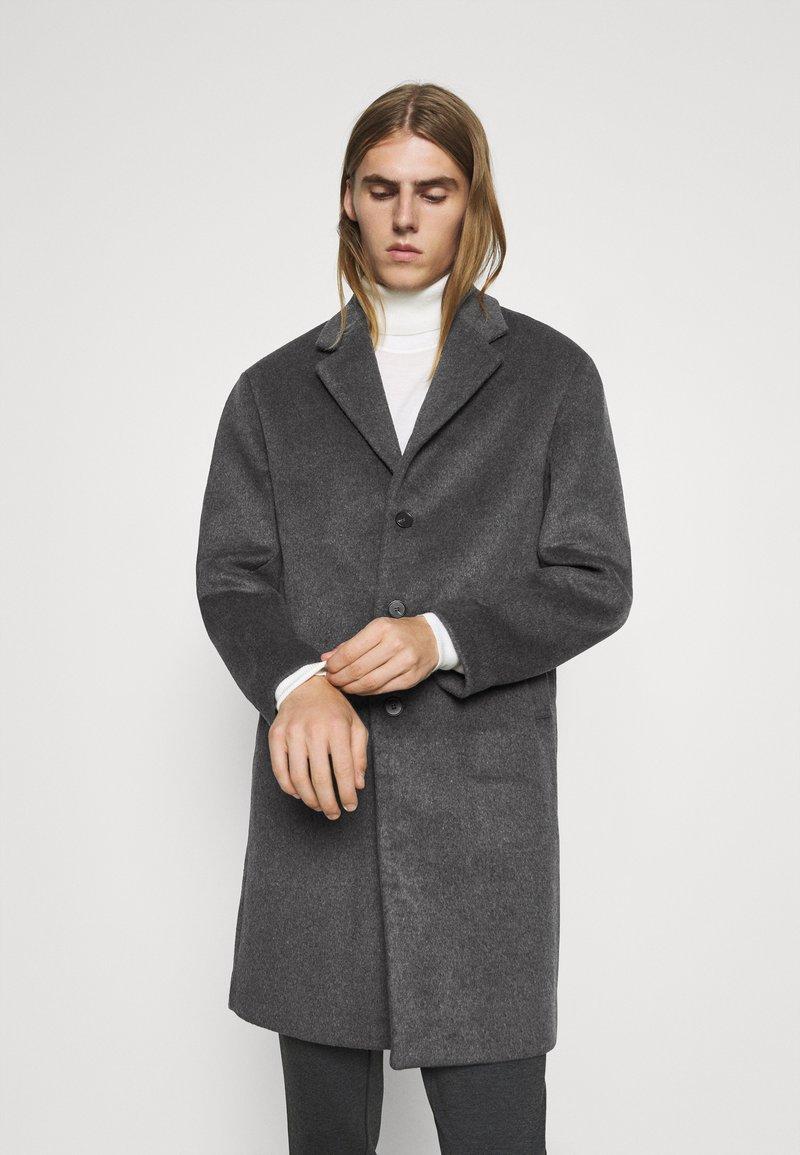 Bruuns Bazaar - JANUS COAT - Klasický kabát - dark grey