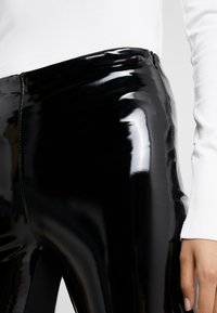 KARL LAGERFELD - PATENT - Leggings - Trousers - black - 5