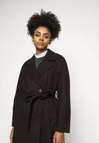 Vero Moda Petite - VMMERLEMAY LONG PETITE - Classic coat - chocolate plum - 4