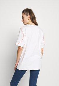 adidas Originals - FAKTEN TREFOIL SHORT SLEEVE TEE - Print T-shirt - chalk white - 2
