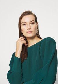 Closet - PEP HEM PENCIL DRESS - Shift dress - forest green - 3