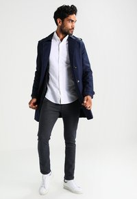Selected Homme - SHXYARD STRUCTURE SLIM FIT - Chino - dark sapphire - 1