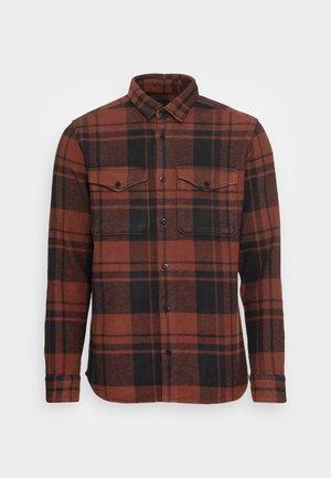 JPRBLULUMBER OVERSHIRT - Skjorter - cinnamon