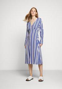 Libertine-Libertine - FLAME - Shirt dress - royal - 0