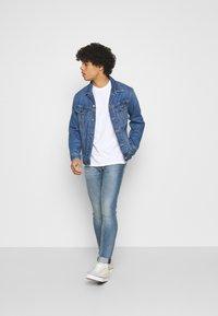 Levi's® - SKINNY TAPER - Jeans Skinny Fit - med indigo - 1