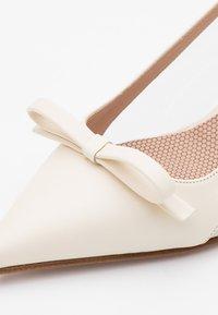 Red V - Bridal shoes - avorio - 3