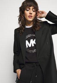 MICHAEL Michael Kors - CHAIN LOGO - Sweatshirt - black/silver - 4