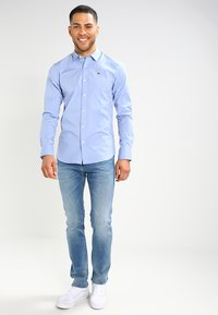 Tommy Jeans - ORIGINAL STRETCH SLIM FIT - Skjorte - lavender lustre - 1