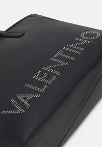 Valentino Bags - PORTIA - Tote bag - nero - 3
