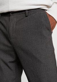 We are Cph - JANZIK  - Trousers - dark grey / melange - 5