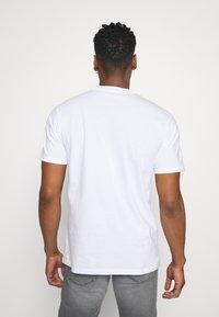Carhartt WIP - TREASURE - Print T-shirt - white - 2