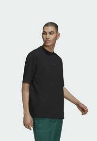 adidas Originals - RIB DETAIL - Basic T-shirt - black - 2