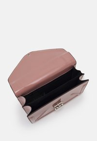 Dorothy Perkins - ENVELOPE BOXY XBODY BAG - Across body bag - blush - 2