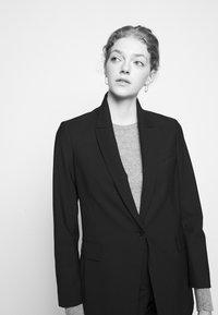 Theory - ETIENNETTE - Short coat - black - 4