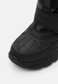 Geox - NEVEGAL BOY ABX - Zimní obuv - dark grey - 5
