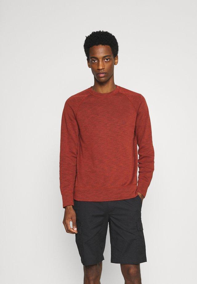 CREW - Sweatshirt - molten copper