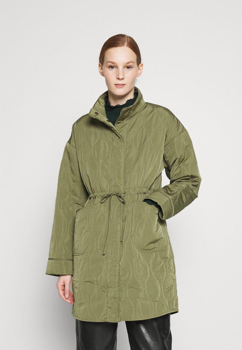 YAS - YASWENNA QUILTED  - Short coat - khaki