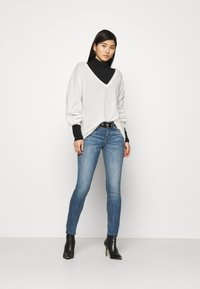 Guess - Jeans Skinny Fit - soldier - 1