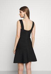 Hervé Léger - ICON FLARE SKIRT DRESS - Robe de soirée - black - 2