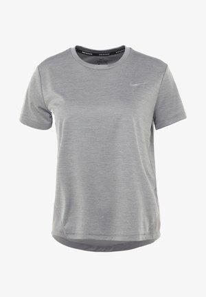 MILER  - Camiseta estampada - gunsmoke/reflective silver