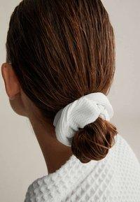 OYSHO - Headscarf - white - 1