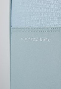 Lässig - ABOUT FRIENDS LOU ARMADILLO - Wheeled suitcase - blue - 6