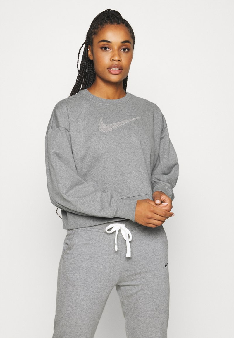 Nike Performance - DRY GET FIT CREW - Mikina - carbon heather/smoke grey