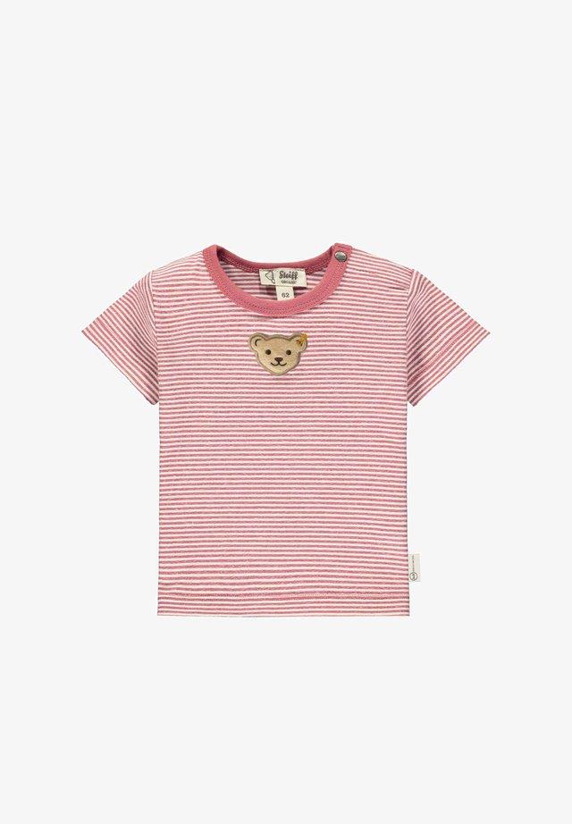 T-shirt print - holly berry