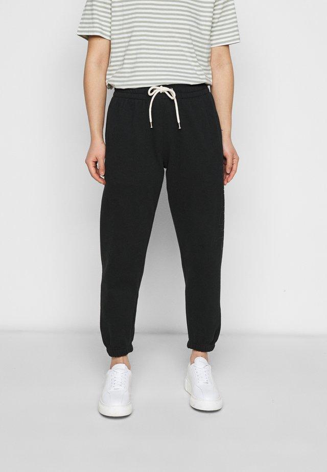 EASY - Teplákové kalhoty - true black